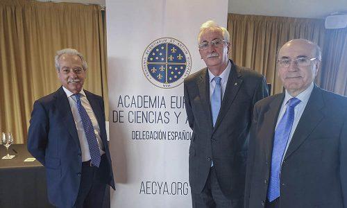 conferencia Miguel Ángel Caínzos