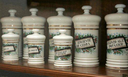 Botes antiguos de farmacia